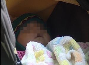 Новорожденную девочку нашли в подъезде на юге Волгограда