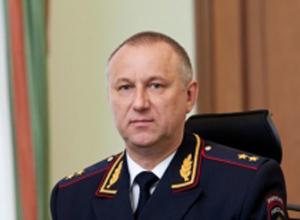 Глава ГУ МВД Волгоградской области зарабатывает по 2,9 млн рублей и ездит на раритетном мотоцикле