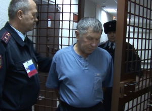 Под Волгоградом электрик вонзил нож в живот мужчине в очереди к банкомату