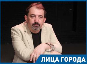 Руководство Волгограда и депутаты часто бывают у нас в театре, - Владимир Бондаренко