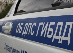 Дерзкий водитель Renault Logan сбил пенсионерку- велосипедистку в Волгограде