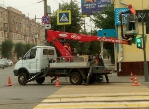 Дорожные знаки повышенной видимости устанавливают на дорогах Волгограда