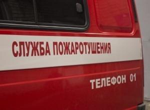 По загадочной причине выгорел Mercedes-Benz в Советском районе Волгограда