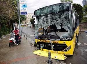 Три пассажира получили травмы в экстренно затормозившем автобусе «Волгабас»