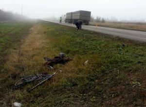 Волгоградцев просят помочь в поиске водителя КамАЗа, насмерть сбившего велосипедиста