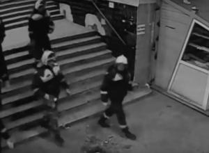 Люди в форме спасателей под видом учений ночью захватили Центральный рынок в Волгограде