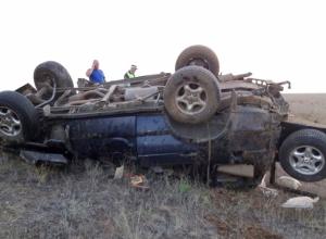 Волгоградка за рулем Land Rover устроила смертельное ДТП в Астраханской области