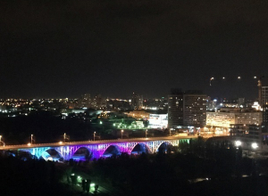 Засиявший огнями Астраханский мост волгоградцы обсуждают в Сети