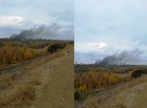 Пожар на территории тракторного завода сняли на видео волгоградцы
