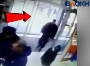 Массовая драка правоохранителей и хулиганов в центре Волгограда попала на видео