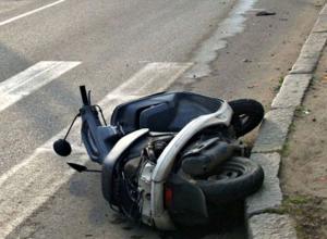 14-летний пассажир скутера попал в больницу из-за волгоградца на Hyundai Accent