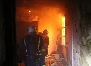 Молодая женщина загорелась в своей квартире в центре Волгограда