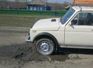 Часть федеральной трассы в Волгоградской области чиновники не ремонтируют «из принципа»
