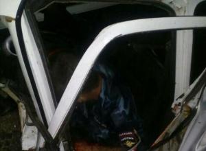 Полицейский на «Ниве» ночью врезался в автофургон под Волгоградом