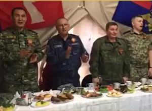 Поющие генералы региональных ФСБ, МВД, СУ СК вместе с губернатором Бочаровым «взорвали» соцсети