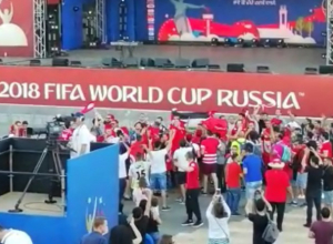 Зажигательные танцы болельщиков Туниса в центре Волгограда попали на видео