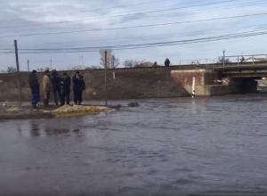 Уже девять районов страдают от наводнения в Волгоградской области