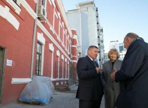 Волгоградский губернатор потребовал даже в музеях рассказывать о его планах на будущее