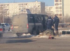 Инкассаторский Ford протаранил ВАЗ-2112 на юге Волгограда: есть пострадавшие