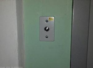 Торжественно запущенные волгоградскими чиновниками лифты технически неисправны