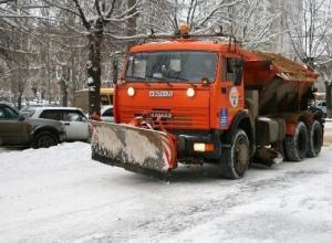 Мэрия ждет ухудшения погоды для выпуска сотни снегоуборочных машин на улицы Волгограда