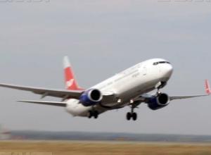 У пассажирского самолета отказал двигатель над Волгоградской областью