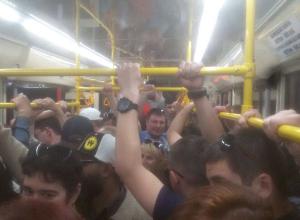 Жуткая давка случилась в общественном транспорте Волгограда из-за чиновников