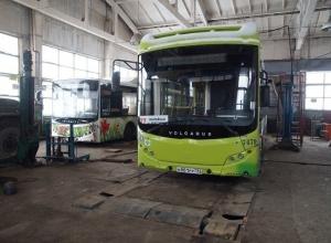 Под угрозой увольнения нас заставляют отдать автобусную базу «Питеравто», - сотрудники ПАТП-7 Волгограда