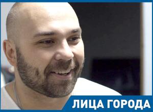 В Волгограде с голоду никто не подыхает, в Донецке еще хуже, - музыкант Бранимир Паршиков