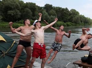 На пляже надо купаться с ребенком, а не бухать, - волгоградский врач Анатолий Белоглазов