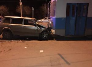 В ДТП с троллейбусом на севере Волгограда пострадали две женщины и мужчина