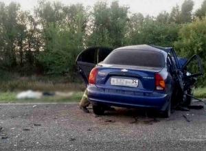 Три человека погибли в страшном ДТП на трассе в Волгоградской области