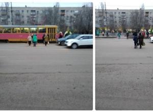 Волгоградские «смертники» бегают по дороге в Красноармейском районе