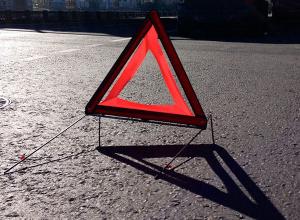 Устроивший ДТП с тремя фурами и иномаркой водитель погиб на трассе в Волгоградской области
