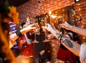 Волгоградцы получат премию «Оскар» на Новый год в караоке «Селфи»