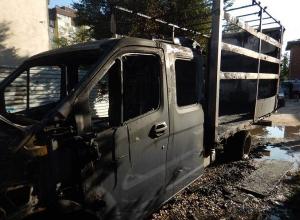 Дерзкого поджигателя «Газели» разыскивают в Волгограде