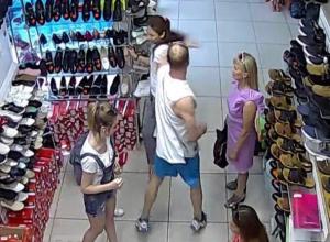 Избиение продавца обуви в магазине Волжского попало на видео