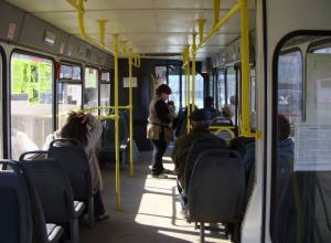 Пенсионерка в Волгограде: почему подорожали льготные проездные
