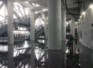 «Волгоград Арену» затопило во время ливня вместе с болельщиками внутри
