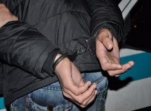 Гулящую девушку житель Урюпинска шантажировал тайной об отце ее ребенка