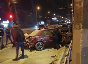 В центре Волгограда разбилась компания молодежи
