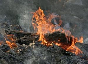 В обрушившемся из-за пожара доме погибла жительница Волгоградской области