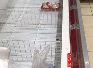 Экс-мэр Волгограда не смог найти в магазинах куриного мяса