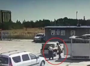Мужчина погиб при взрыве своего автомобиля в Волгоградской области
