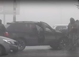 Волгоградцы сняли на видео работу спецподразделения «Гром» на проспекте Жукова