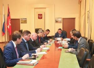 Андрей Бочаров поручил до 1 ноября внести бюджет в областную думу