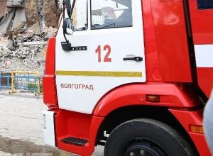 Сразу пять автомобилей сгорели в Волгоградской области