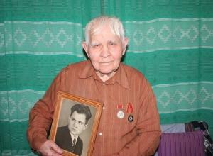 Ветеран ВОВ встретился со своими спасителями, которые вытащили его из-под колес поезда в Волгограде