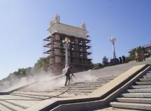 Главная лестница на набережной Волгограда дождалась своей очереди на ремонт