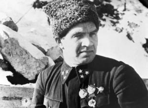 Легендарный защитник Сталинграда Василий Чуйков предан забвению в Волгограде